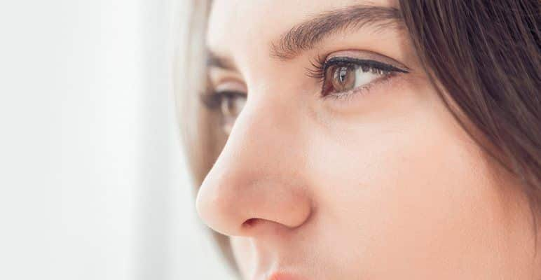 Is There a Specific Age or Risks with Rhinoplasty?